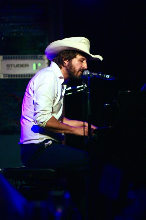 LIVE REVIEW: Lachlan Bryan & The Wildes @ TheBasement