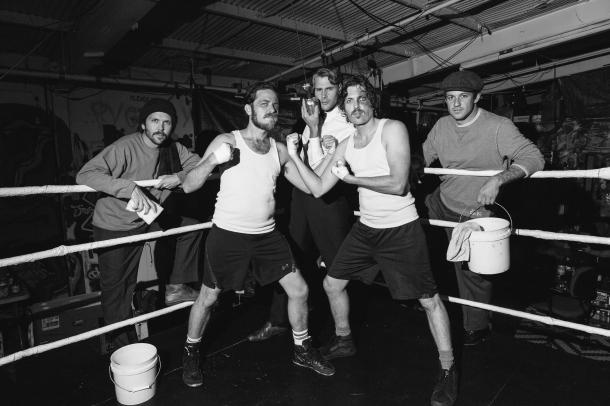 boxing-landscape-putemup