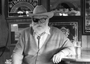 NEW MUSIC: Pinto Bennett –I Like Singin' The Blues In A Honky TonkSong