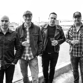 INTERVIEW: Dave Favours & The Roadside Ashes