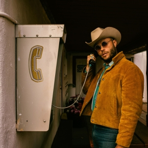 NEW MUSIC: Charley Crockett – Midnight Run
